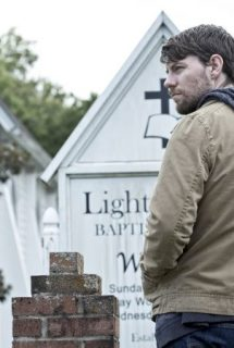 Imagen Outcast Serie TV Spanish Online Torrent 1x2